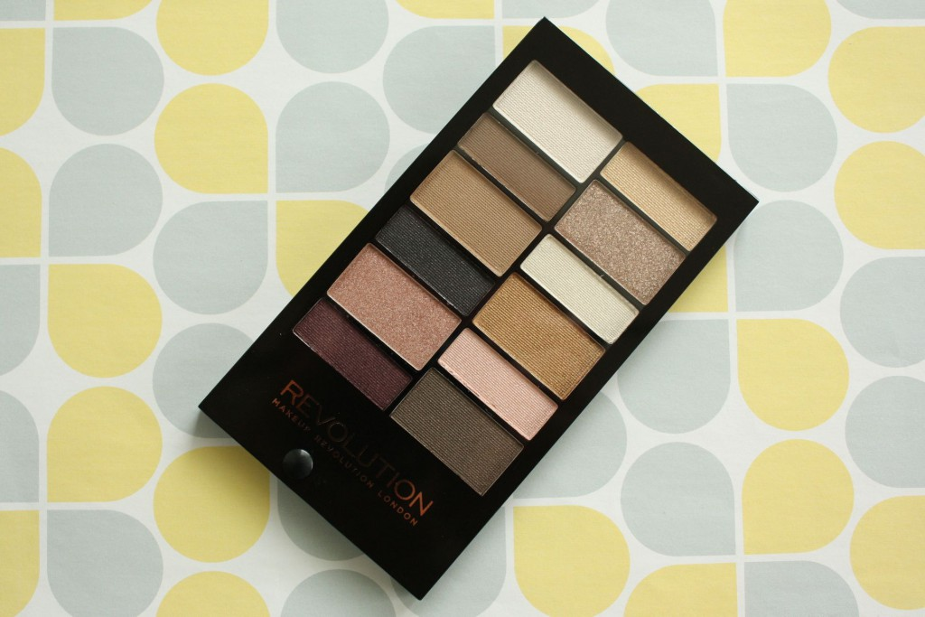 make up revolution eye shadow pallette (1)