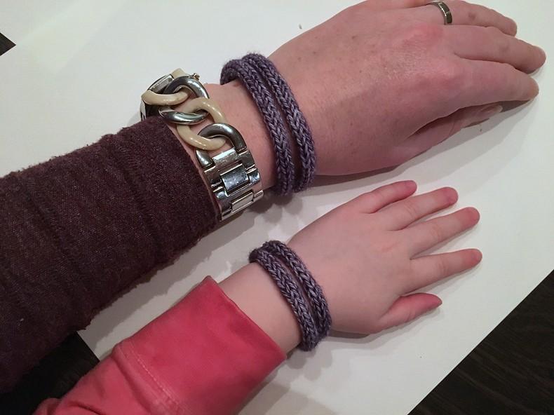een armbandje punniken (10)